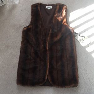 Brand New Forever21 Faux Fur Vest in Size M